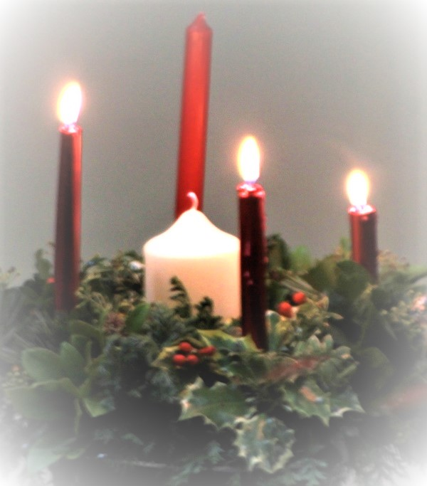 Photo of 3 lit red advent candles